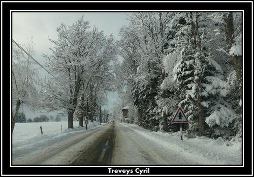 2008 12 12 Sur la route de Tence en direction de Saint Jeures