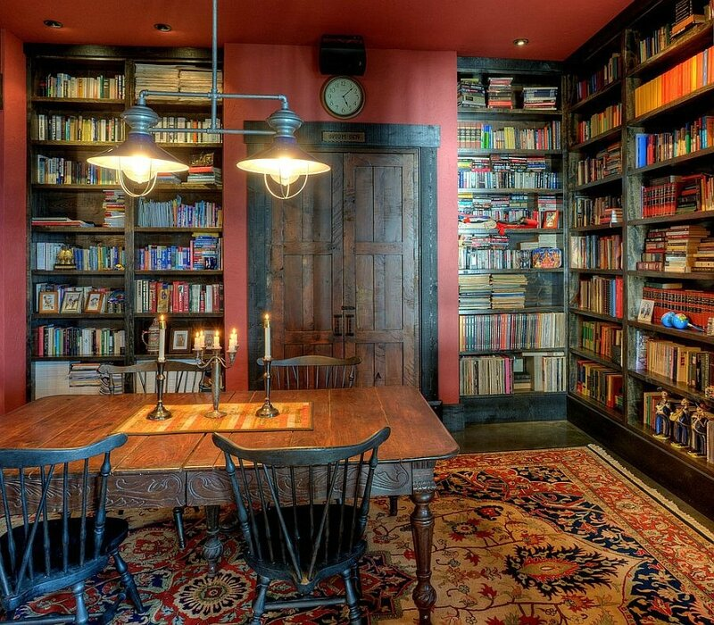Rustic-home-office-and-library-rolled-into-one