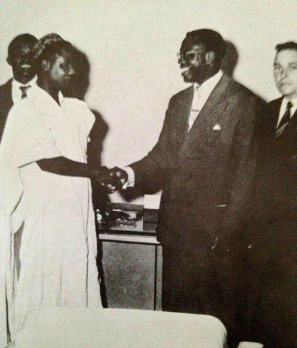Ahidjo_Mbida_20_fevrier 1958