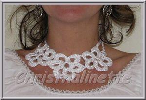 collier_blanc_crochet_fleurs