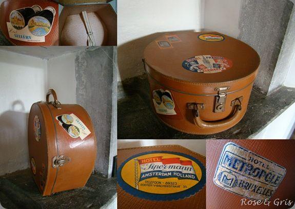 valise à chapeau avec étiquettes anciennes