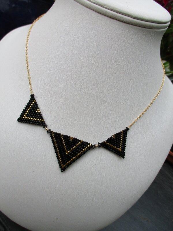 Colliert triangle dore-noir