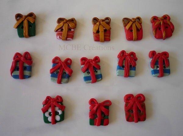 boutons-Noël-petits-cadeaux