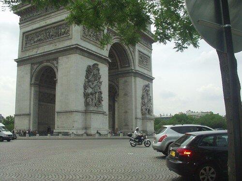Arc de triomphe vu de l'avenue Niel
