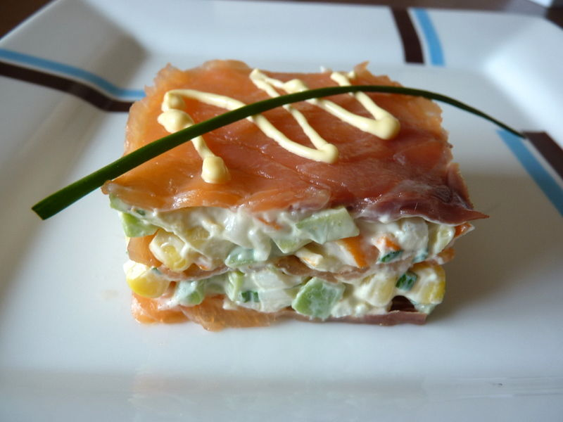 millefeuille de saumon au surimi l 39 avocat et ma s pause gourmandises. Black Bedroom Furniture Sets. Home Design Ideas