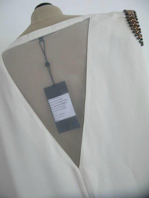 Robe blanche épaulée 5