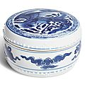 A blue and white box and cover, qing dynasty, kangxi period (1662-1722)