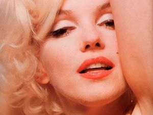 wp_Marilyn_Monroe_Wallpaper_59