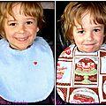Des pâtisseries gourmandes ... un petit coeur rouge ... un bavoir réversible pour fille et garçon !!