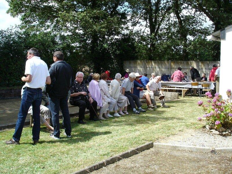 2014-07-14-repas et boule de fort-amicale laïque (12)