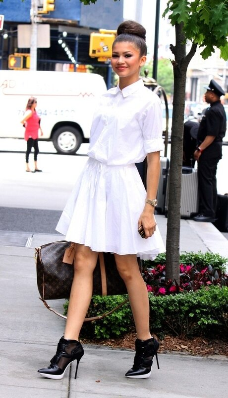 C__Data_Users_DefApps_AppData_INTERNETEXPLORER_Temp_Saved_Images_zendaya_coleman_white_dress_nyc