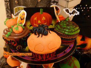 12 10 27 - cupcakes halloween - présentation (7)