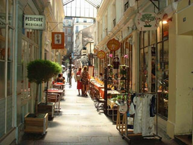21a - Passage Cour du Commerce St André - Rohan - 132 Place Henri Mondor 61 Rue St André des Arts