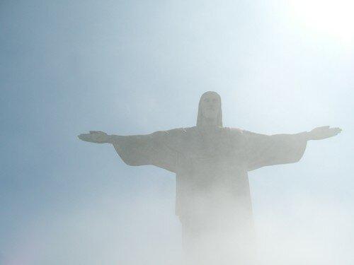 Le Christ Rédempteur, on l'imagine