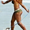 1511_233771919_serena_williams_beach_H142929_L