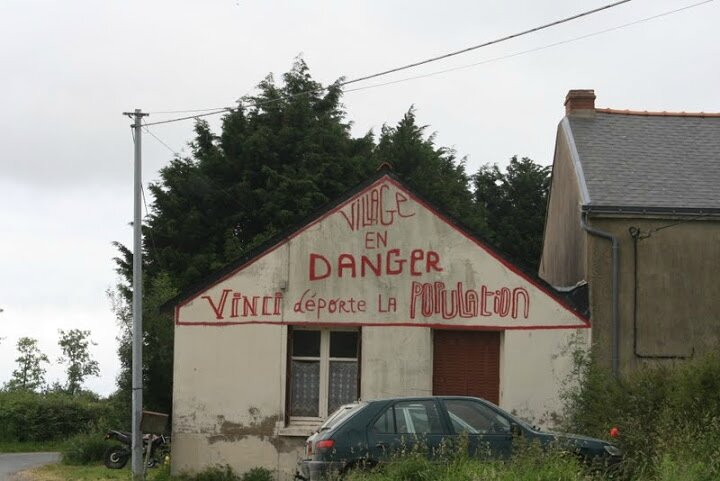 village en dangerf vinci déporte
