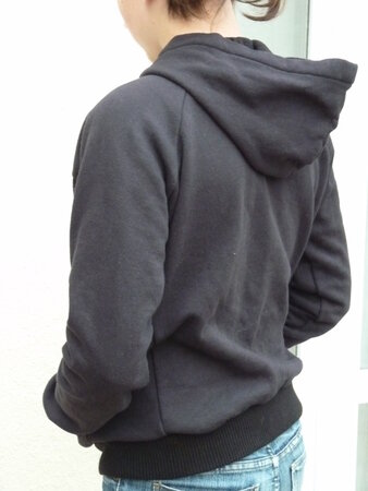 2011_11_Sweat_noir_Ju5