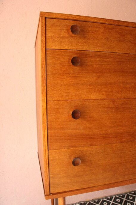 commode-scandinave-boutons