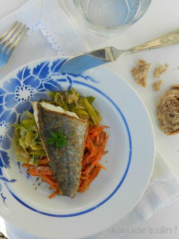 Filet de poisson et sa julienne de carottes et poireaux 1