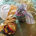 Des oeufs tricotés et décorés