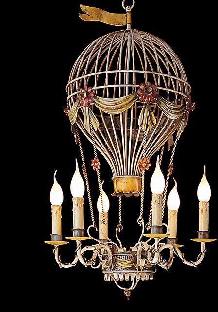 lustre artisanal en forme de montgolfi re en fer forg patin e cr ation artisanale de. Black Bedroom Furniture Sets. Home Design Ideas