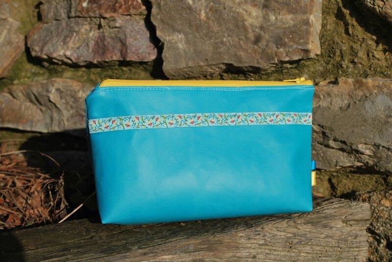sac à langer gris sacs rose et noir trousse turquoise 031
