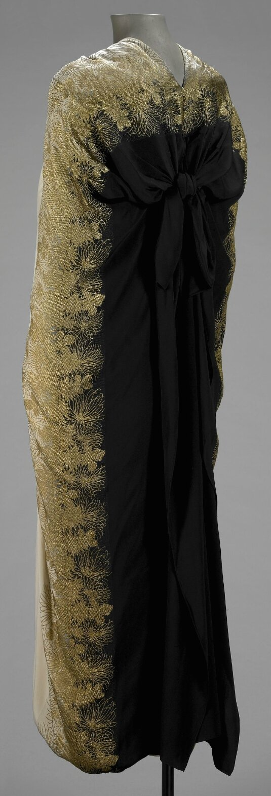 Evening Cape, Gabrielle 'Coco' Chanel, House of Chanel, 1927