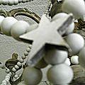 des perles, un lustre...