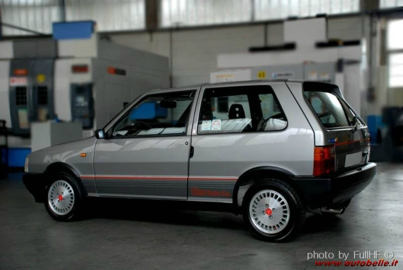fiat uno turbo ie 1985 1993 zoom auto blog. Black Bedroom Furniture Sets. Home Design Ideas