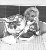 1962-06-tim_leimert_house-pucci_jacket-bedroom-by_barris-031-1a