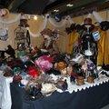 Vendeuse de chapeaux steampunk