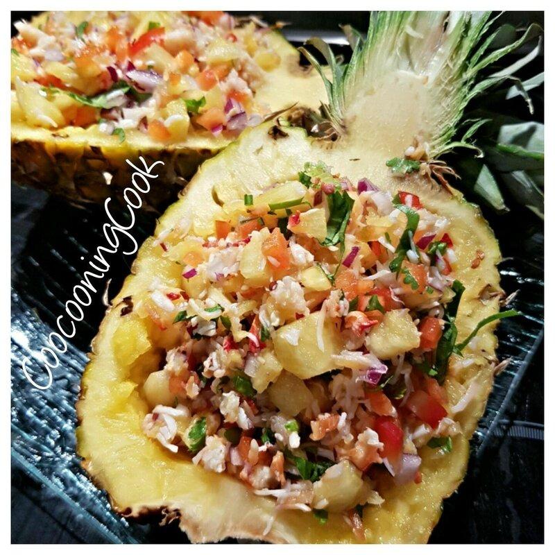 salade exotique dans son écrin d'ananas