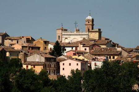 Tolentino_panorama_Basilique