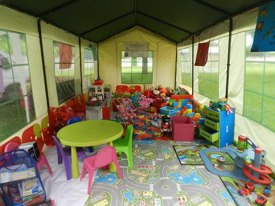 salle de jeux enfants salle jeux enfant on decoration d interieur moderne la salle de jeux. Black Bedroom Furniture Sets. Home Design Ideas