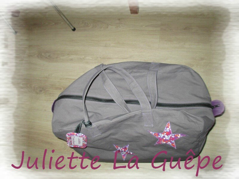 sac week end gris violet 3