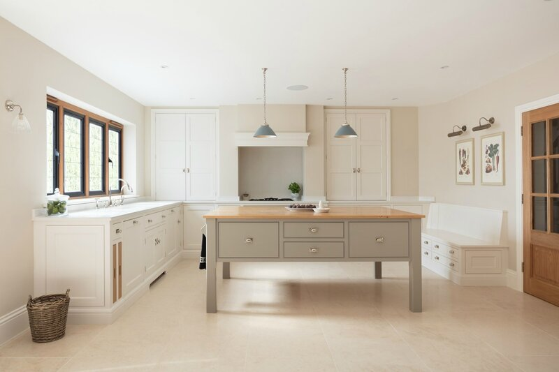Bespoke-Family-Kitchen-Gerrards-Cross-Humphrey-Munson-1v2