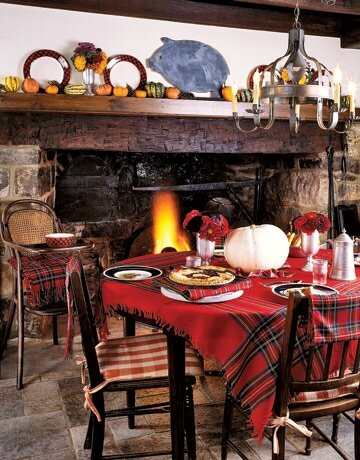 Red-Tartan-Shawl-Turned-Tablecloth-HTOURS1006-de