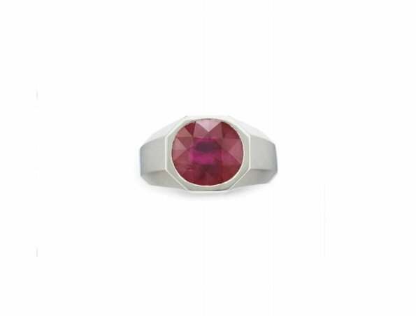 A fine ruby ring, by Cartier