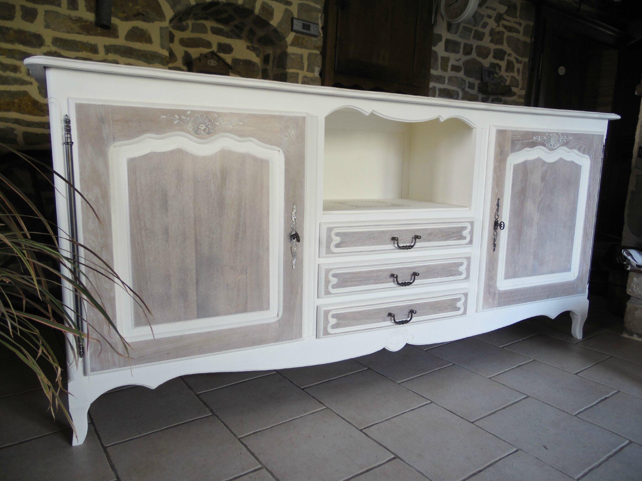 Peindre un meuble en bois verni photo avant ceruser un for Ceruser un meuble vernis