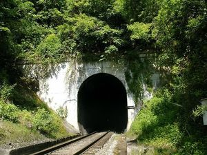 train-tunnel