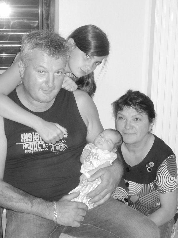Mamoune, Papi Dadou et Tata Sarah