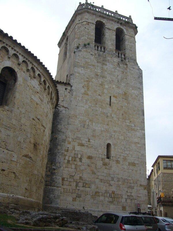 048 village de Besalu- La tour