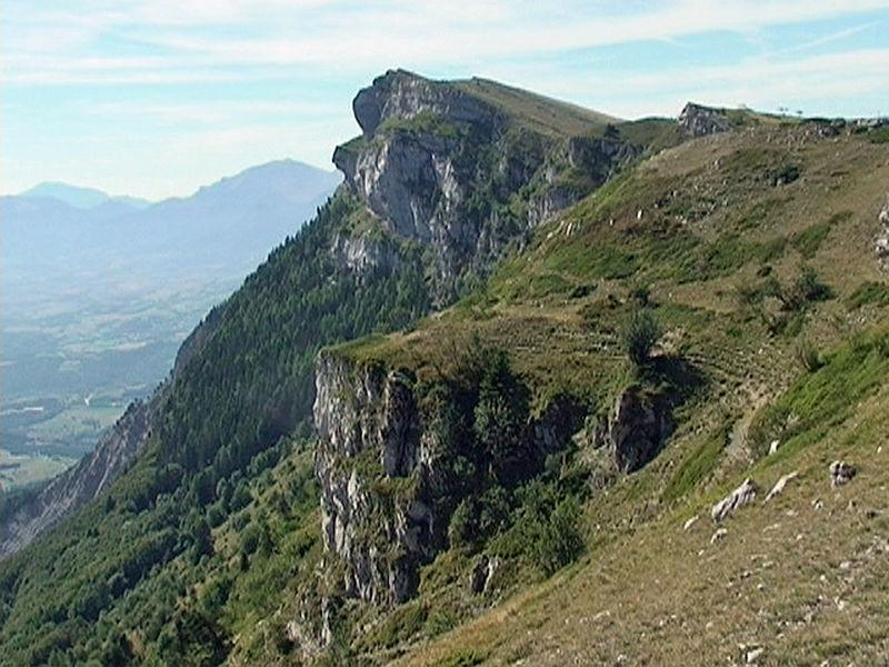 Rochers du Baconnet 1808 m et du Cléton 1669 m de Gresse-en-Vercors