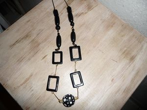 collier_rect_noirs