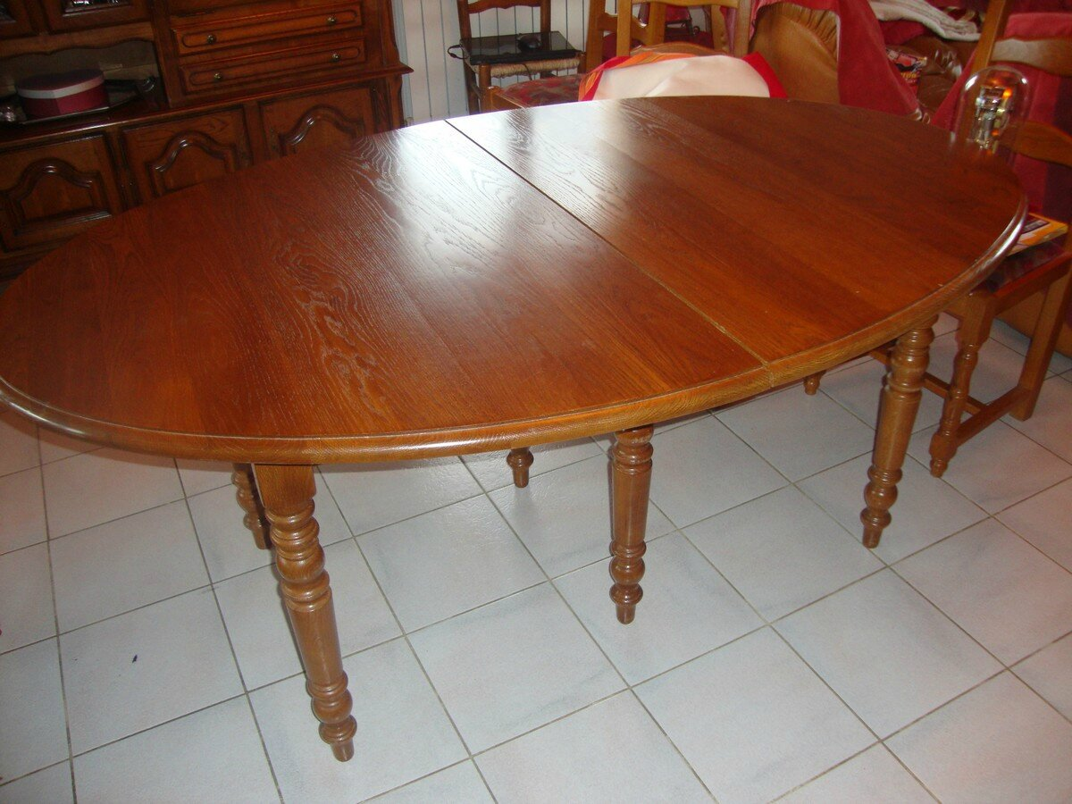 Table chaises et living relook s kr ative d co for Table ovale ancienne