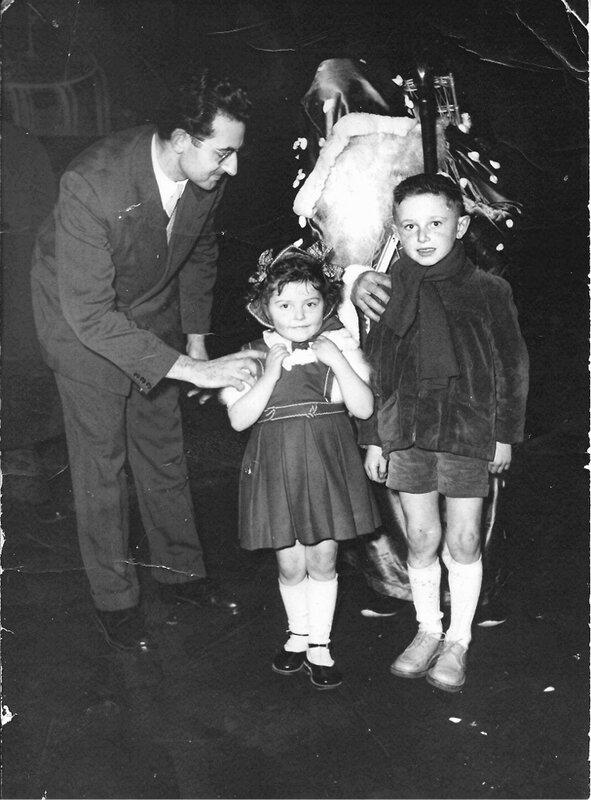 1953 - Au Gaumont Palace - Patrice- Francine et Papa - Noel Bque de France