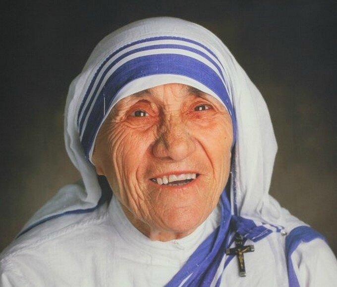 6 leçons de vie que tout le monde peut apprendre de Mère Teresa - : (Espritsciencemetaphysiques.com)