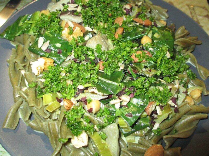 pâtes-végétariennes-persil-noix