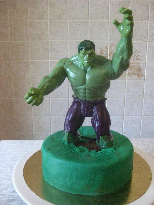 20160522 gâteau hulk (9)