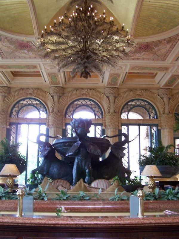 Salle A manger - Vue d'ensemble ( Palace Hotel)